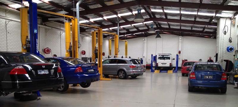 automotive mechanic workshop
