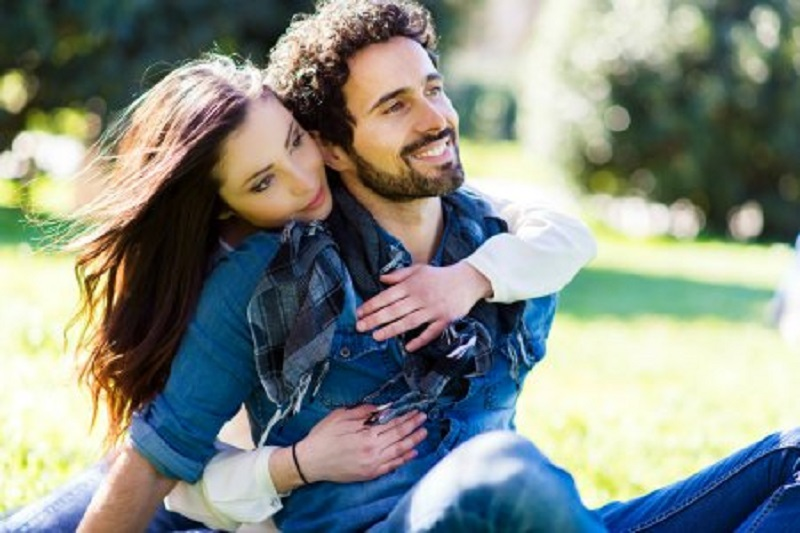 How to build personal relationship without attachment?