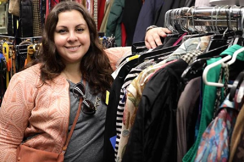 Second hand clothing store facts